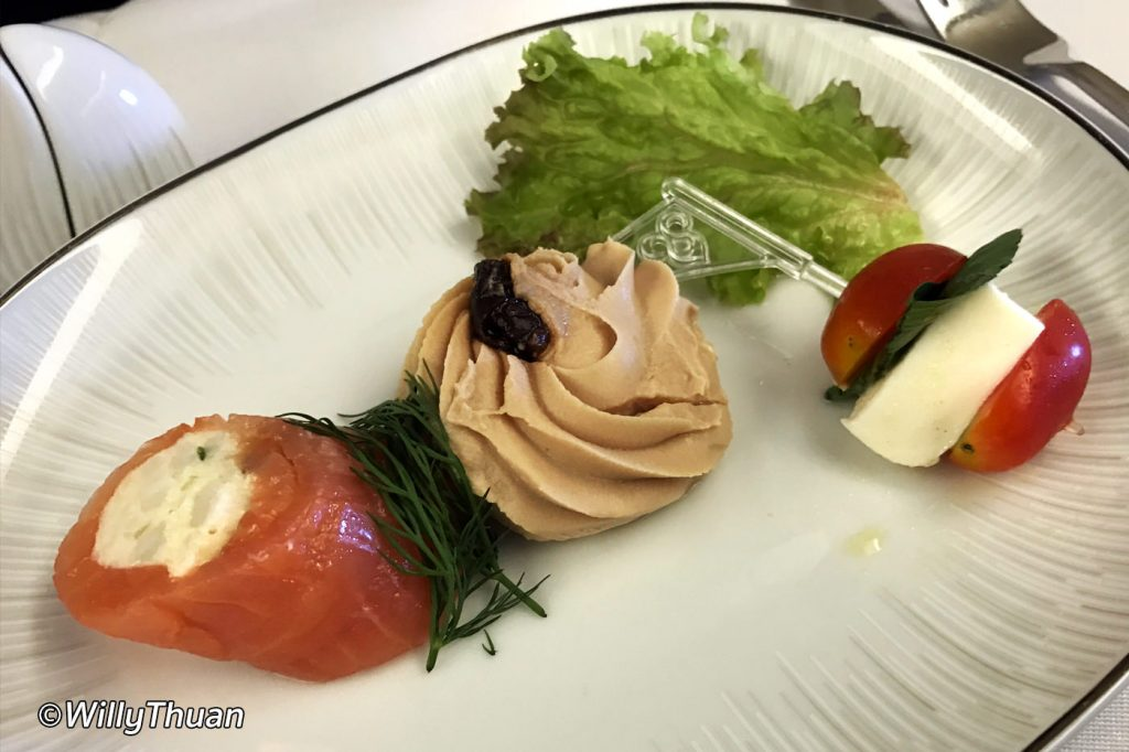 Flying business class on thai airways what it 39 s like for Air thai cuisine