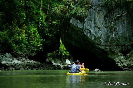 phang-nga-canoe-1