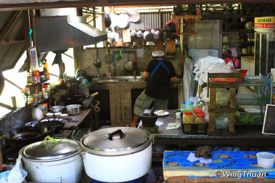 pailin-restaurant-kitchen