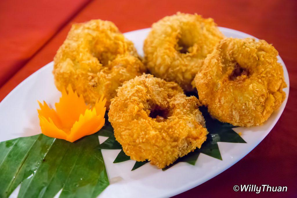 Kaab Gluay Crab Cakes