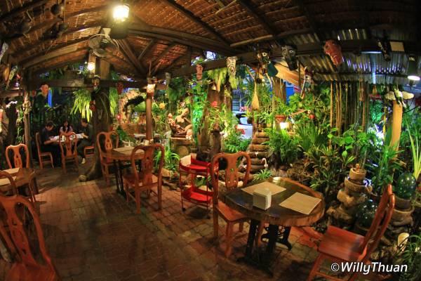 Phuket Natural Restaurant (Tamachart Restaurant) in Phuket Town