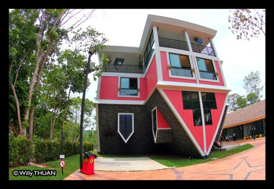 phuket-upside-down-house-3