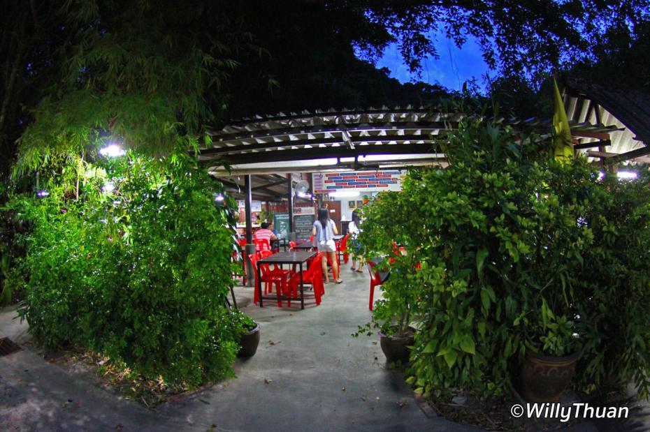 nam-yoi-phuket-town