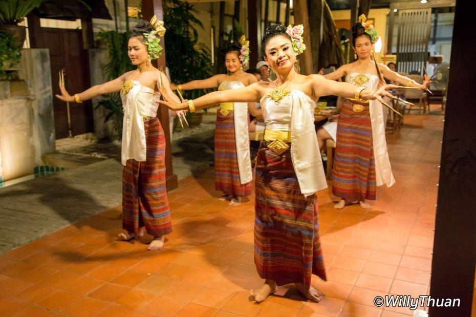 burasari-thai-dancing