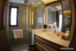amari-bathroom