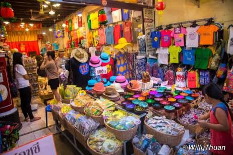 phuket-walking-street-market-8
