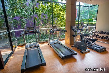 holiday-inn-express-patong-fitness