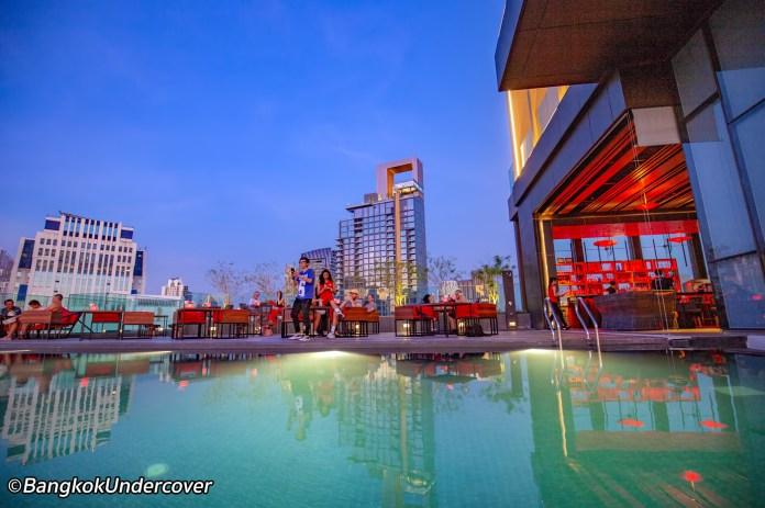 redsquare-rooftop-bar-bangkok