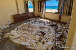 maiton-island-abandonned-villa-3