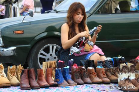 rod-fai-night-market-bangkok-2