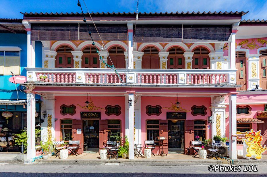 soi-romanee-phuket-town