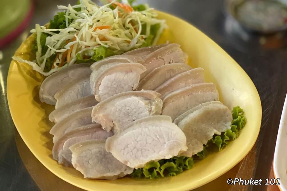 kor-jaan-market-pork