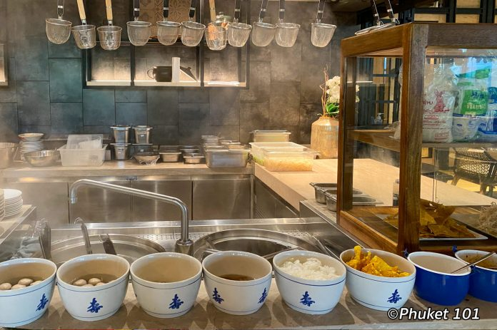 four-points-by-sheraton-phuket-noodle-soup-breakfast-1