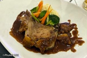 the-shore-restaurant-double-tree-hilton-phuket