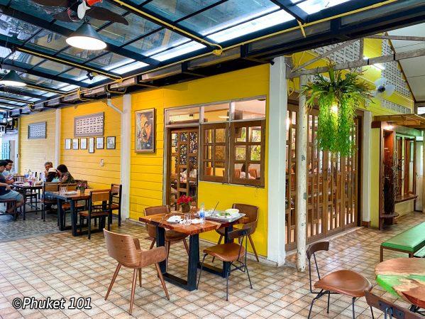ta-tuay-restaurant-phuket-3