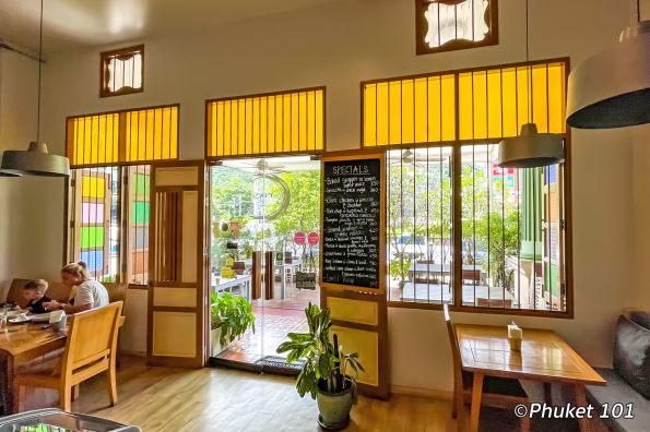 crust-cafe-restaurant-phuket