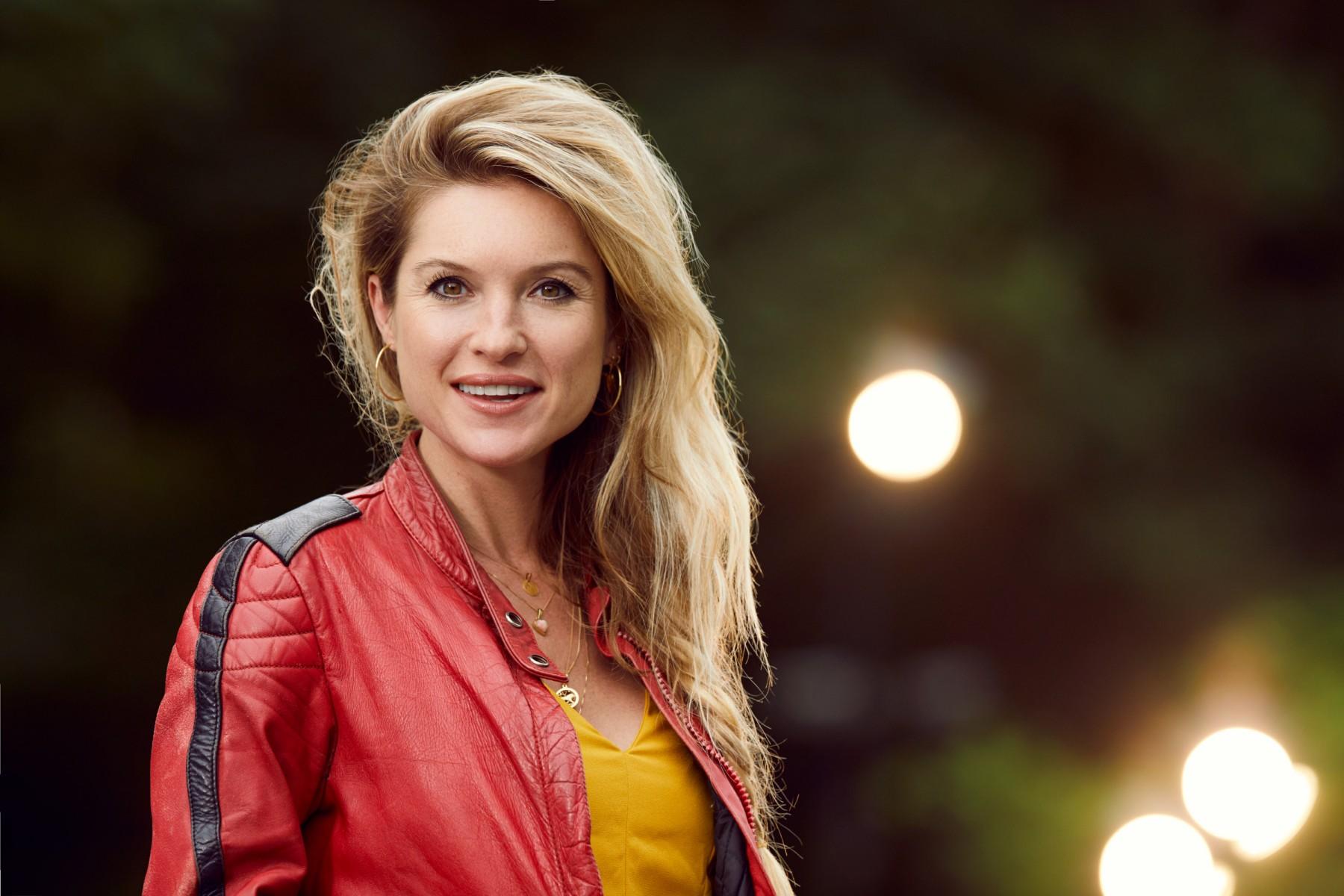 Lauren Verster Volgt Twee Jaar Lang Stellen En Singles