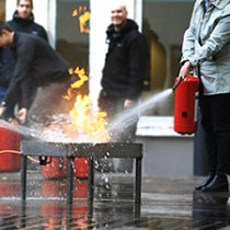 Brandskyddsutbildning släckövning