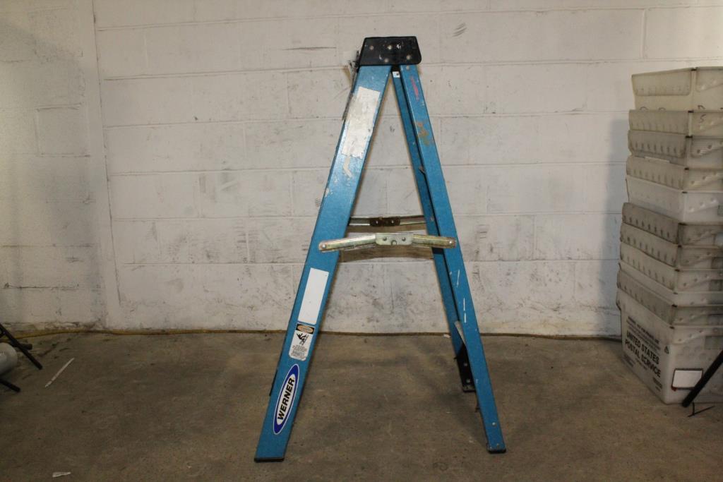 werner 4 ladder property