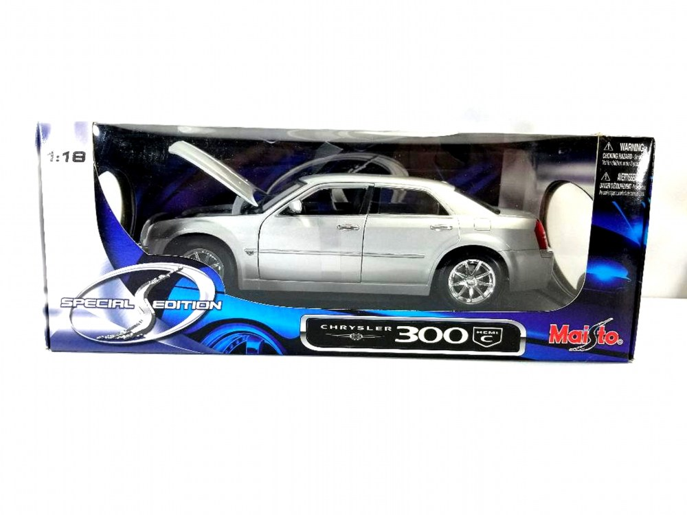 medium resolution of image 1 of 5 special edition maisto 1 18 chrysler 300