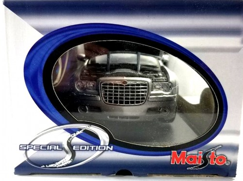 small resolution of special edition maisto 1 18 chrysler 300 hemi edition