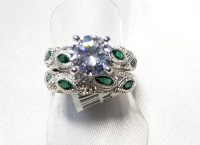 No Reserve Simulated Diamond & Emerald Wedding Engagement ...