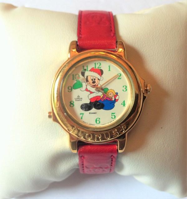 Vintage Lorus Quartz Disney Mickey Mouse Christmas Watch