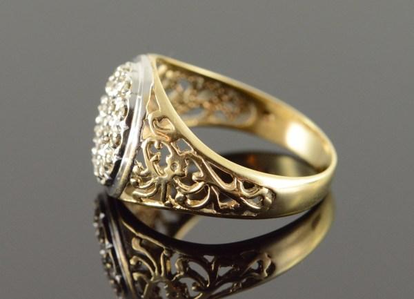10k 4.9g 0.20 Ctw Diamond Cluster Filigree Men' Yellow Gold Ring Size 10 Property Room