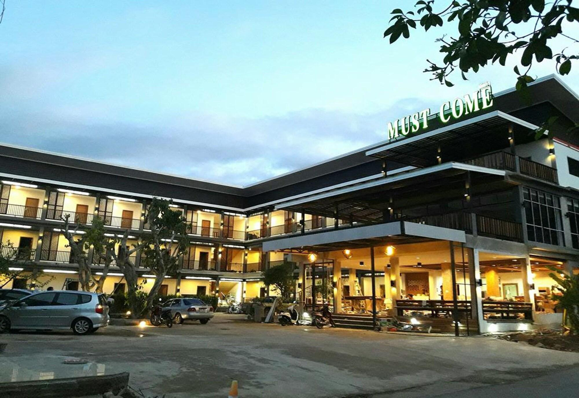 18 Best Hotels In Phrae Hotels From 13 Night Kayak