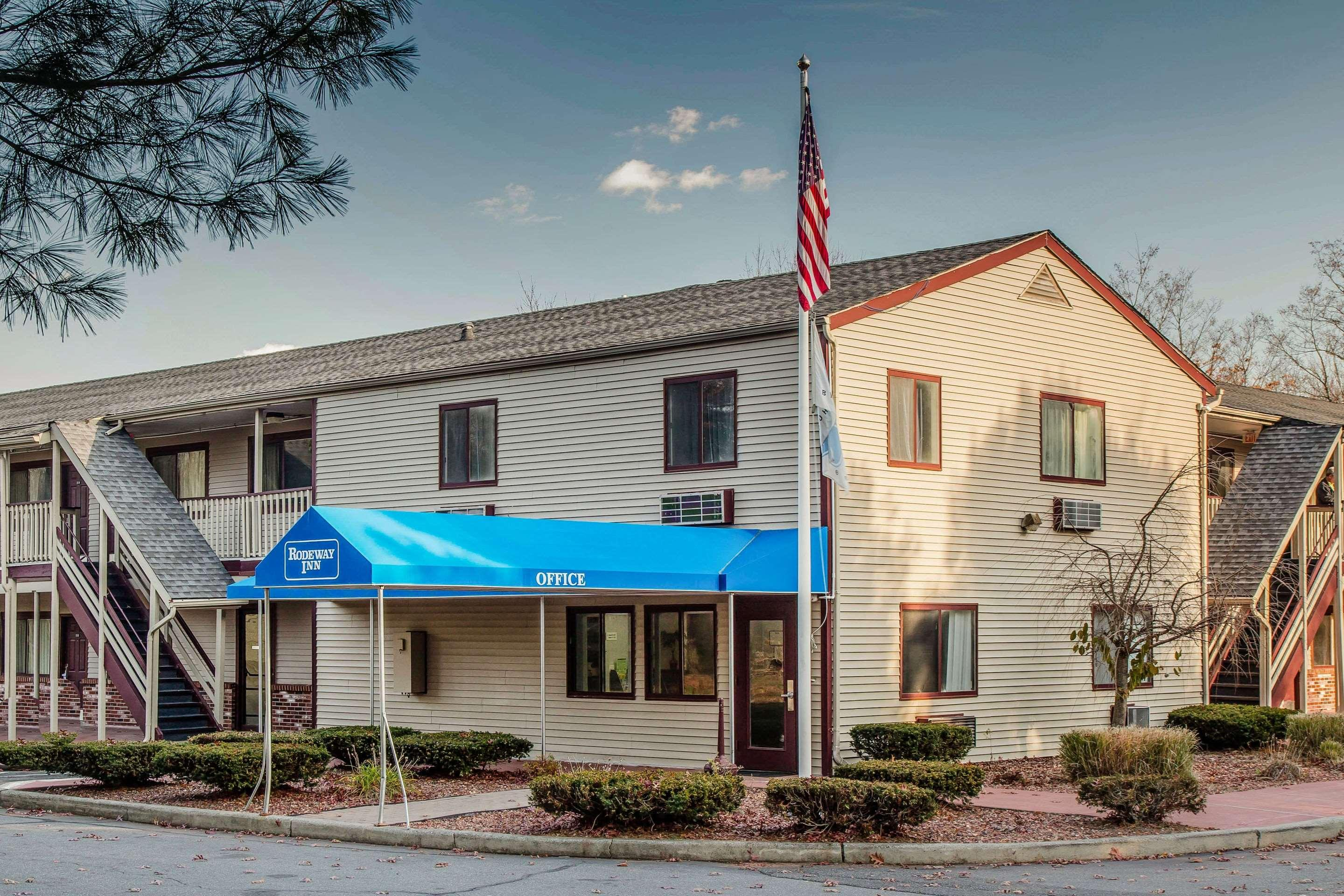 Rodeway Inn R550 R 8 1 6 Groton Hotel Deals Reviews