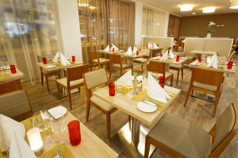 Ghotel Hotel Living Essen 68 1 4 3 Essen Hotel