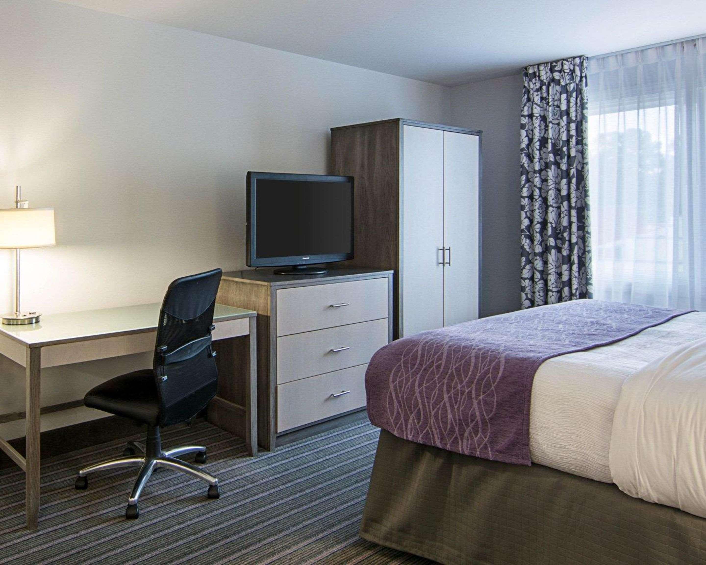 Comfort Inn Williamsburg Gateway 4 129 1 0 4 5 1