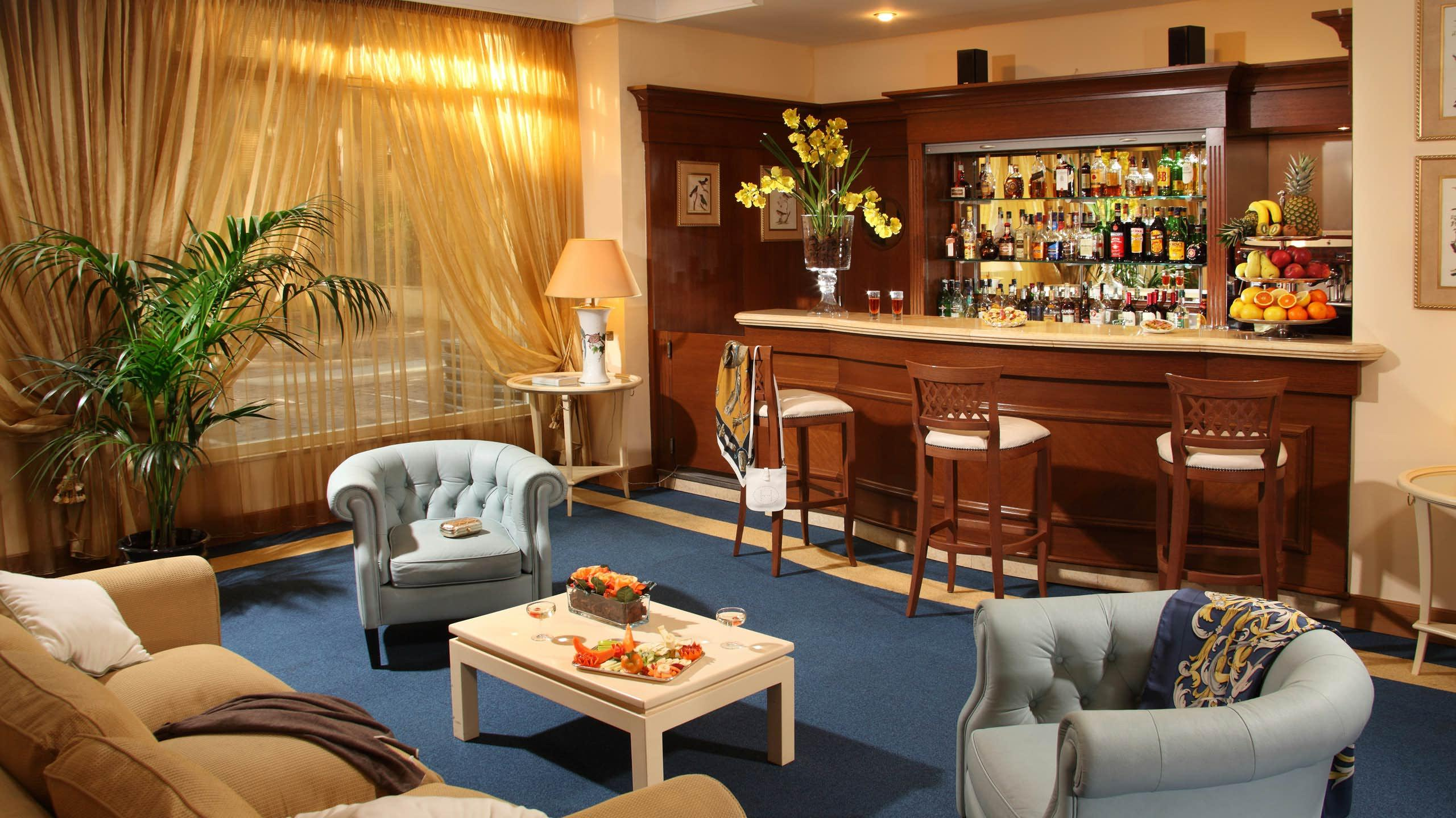 Hotel American Palace Eur Aed 770 A E D 7 7 5 Rome