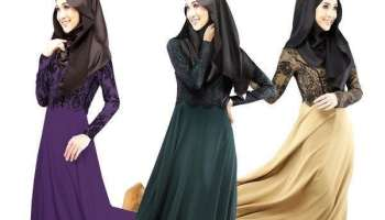 Muslimahs in long dresses