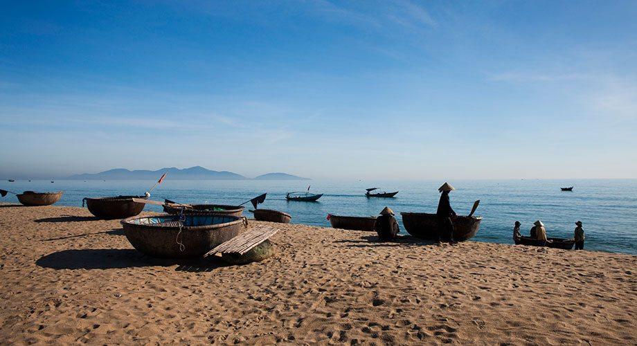 小資族度假勝地!擁有白色沙灘的越南峴港,峴港,位於越南的中部。這座城市既不如河內如此安靜,有著美麗沙灘的峴港,注意事項懶人包 - HotelsCombined旅遊部落格