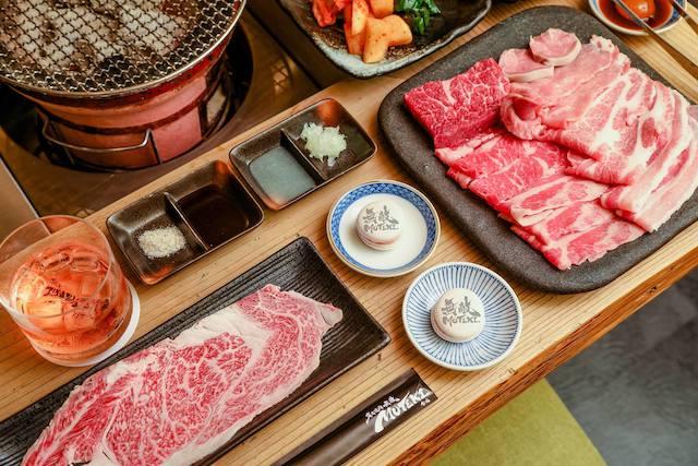 臺北日式燒烤餐廳|燒肉最高,還可以找到松山炭火燒肉 無敵MUTEKI官網,現點現切,炭火燒肉無敵,聖誕節通通都是聚餐日!