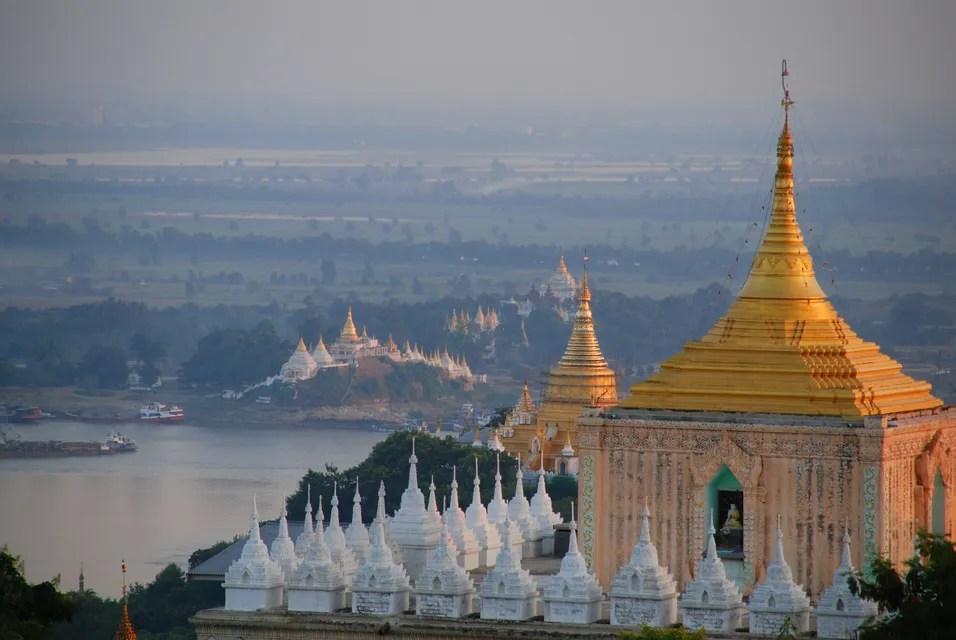 Deretan pagoda cantik di Myanmar.
