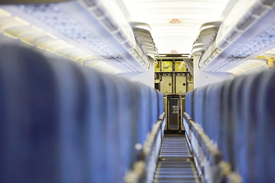 如何選擇最適合自己的飛機座位?這5個位置一定要記低 - Skyscanner香港