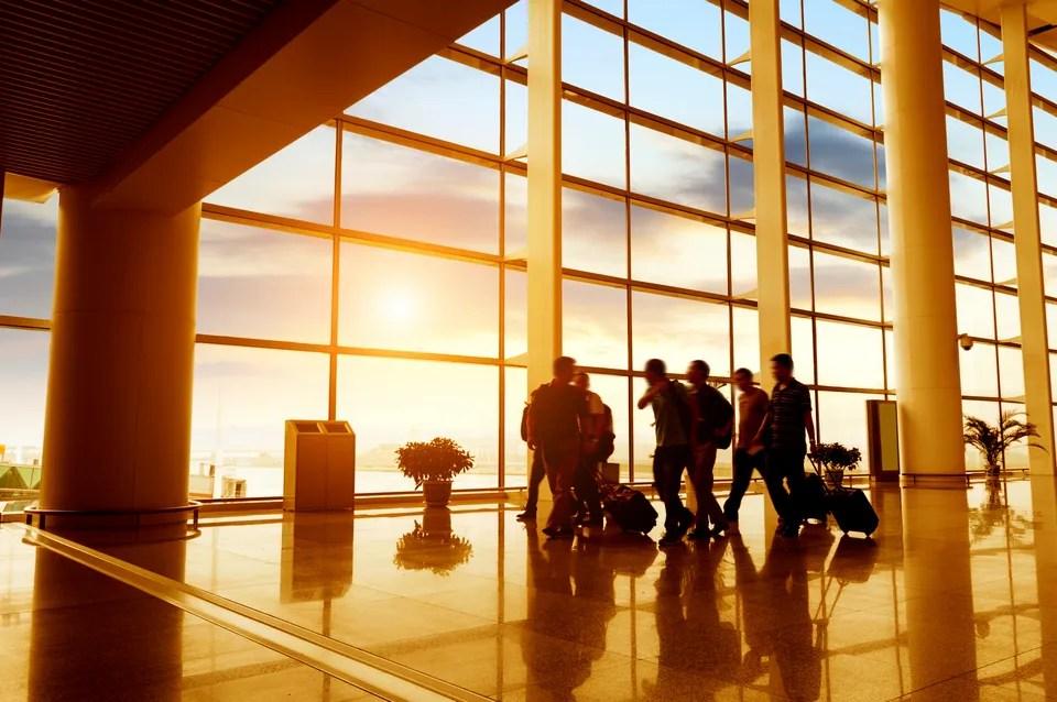 持有邊張信用卡可以免費享用香港機場貴賓室?點先可以入到國泰,香港航空,新加坡航空,中華航空的貴賓 ...