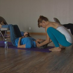 Seated Chair Yoga Poses For Seniors Game Target Gives 39 Health A Lift Wfaa