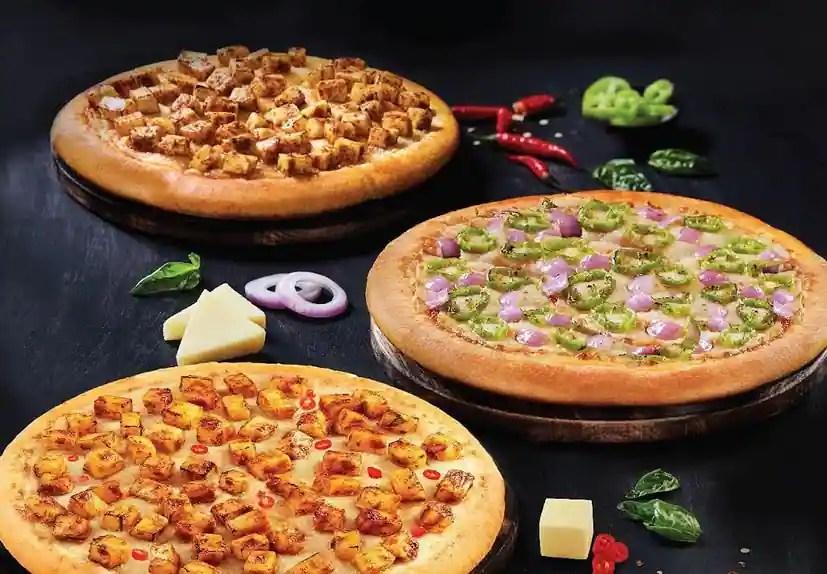 pizza outlets in velayuthampalayam