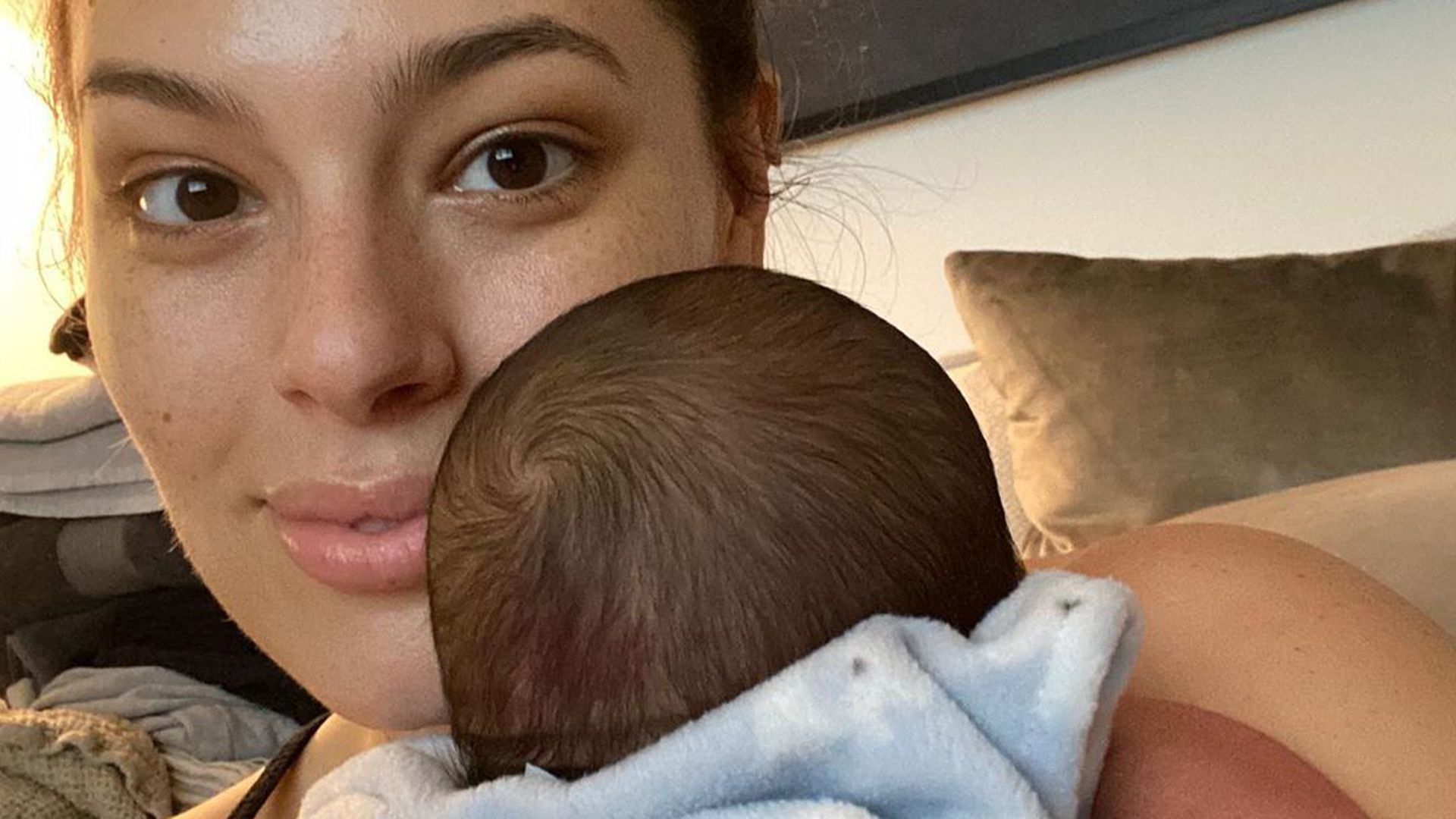 Insta :  Ashley Graham a si gentiment félicité son fils pour son anniversaire