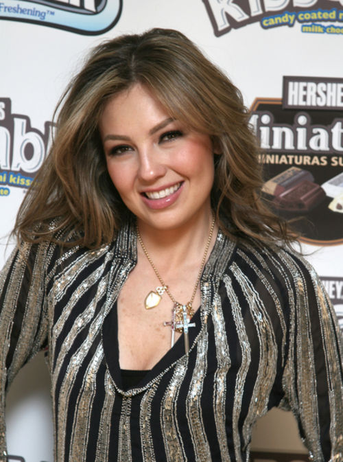 https://i0.wp.com/content1.starflash.com/article-images/w500/thalia-en-evento-r2.jpg