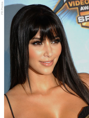 20 Hairstyles That'll Make You Want Long Hair With Bangs