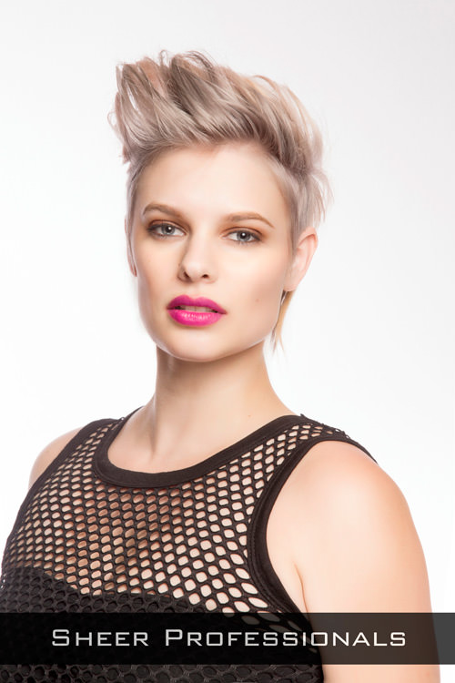 25 Short Hairstyles For Round Faces You Can Rock!