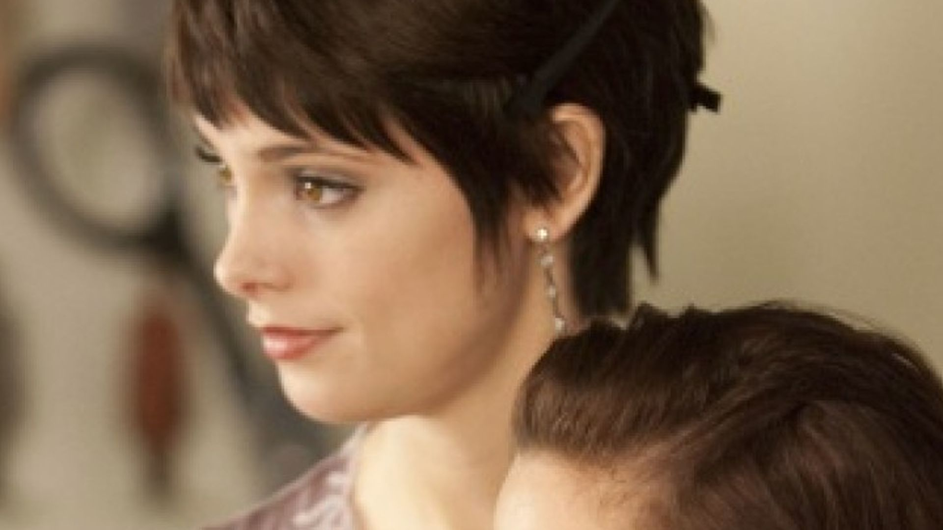 Breaking Dawn Alice Cullen Hat Eine Neue Frisur Promiflash De
