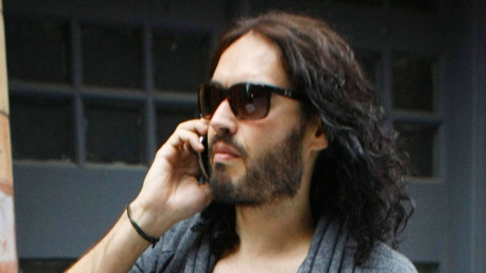 Beweis fr EheAus Russell Brand ohne Ehering  Promiflashde