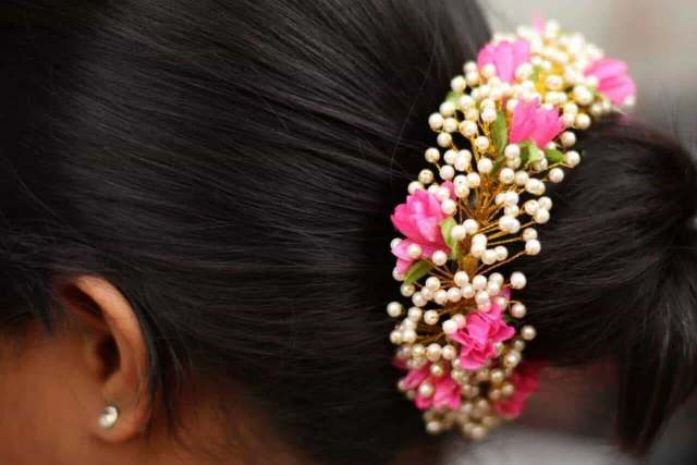avon novelties, sowcarpet - imitation jewellery wholesalers