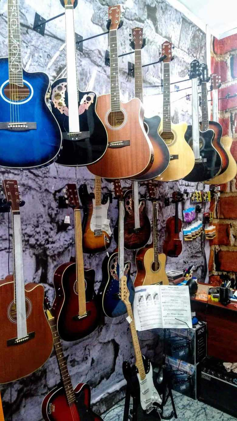 guitar ghar, alambagh - musical instrument dealers in lucknow