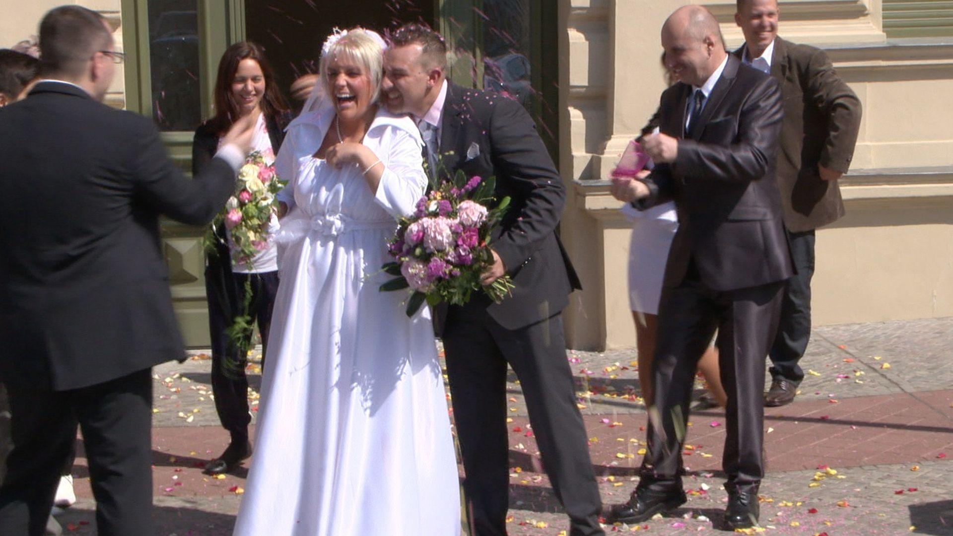 Schne Braut ExBTNNadine hat geheiratet  Promiflashde